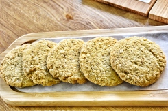 These healthy Oatmeal Cookies will feed your sweet tooth without sending you overboard into sugar land